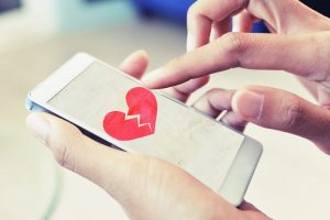 How Social Media Affects Marriage